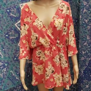 New Torrid wrap batwing floral blouse size 3
